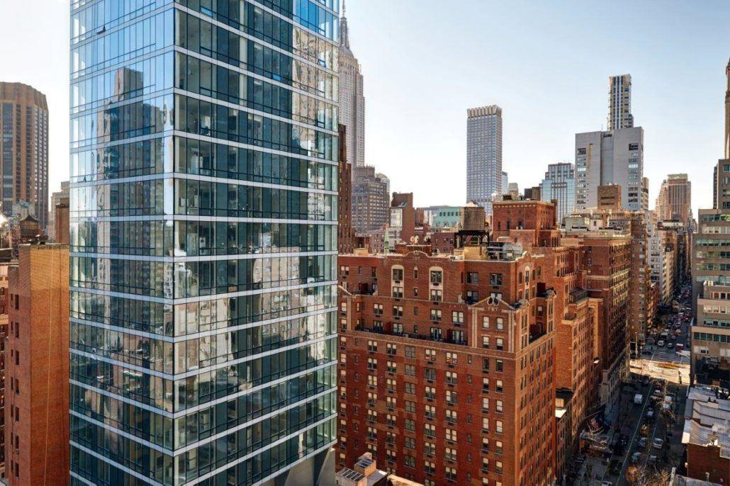 Hotel InterContinental New York Times Square smješten je na 36 katova s.