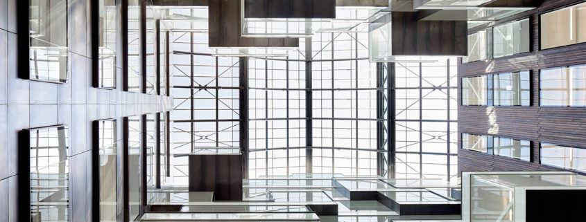 Oszklenie atrium w londyńskim Triton Court